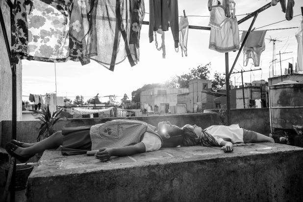 Roma Focuses on the Invisible Things that Tie Us Together